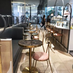 Le Mille Creperie: Dine in area