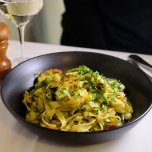 Bruno and Co: Linguine and prawns