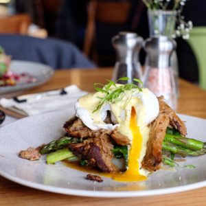 Harvest Blend: Eggs benedict supreme